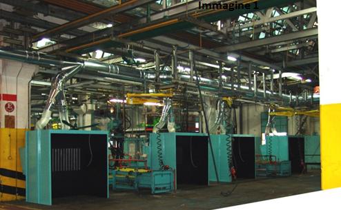 Nella foto un esempio di cabine per l'aspirazione di polveri di smerigliatura e fumi di saldatura, collegate ad un impianto di aspirazione centralizzato, con sistema di abbattimento a cartucce.